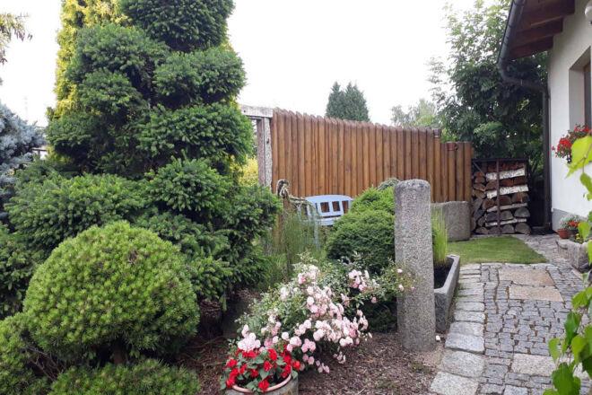 Zahradní architektura u domku, A-pension