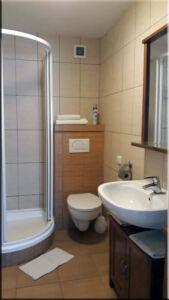 Koupelna v apartmá, A-pension