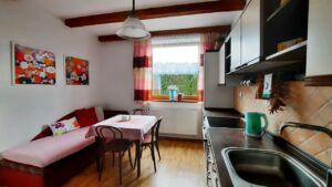 Kuchyně v apartmá v domě