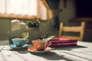 Jídelní stůl v domku, A-pension